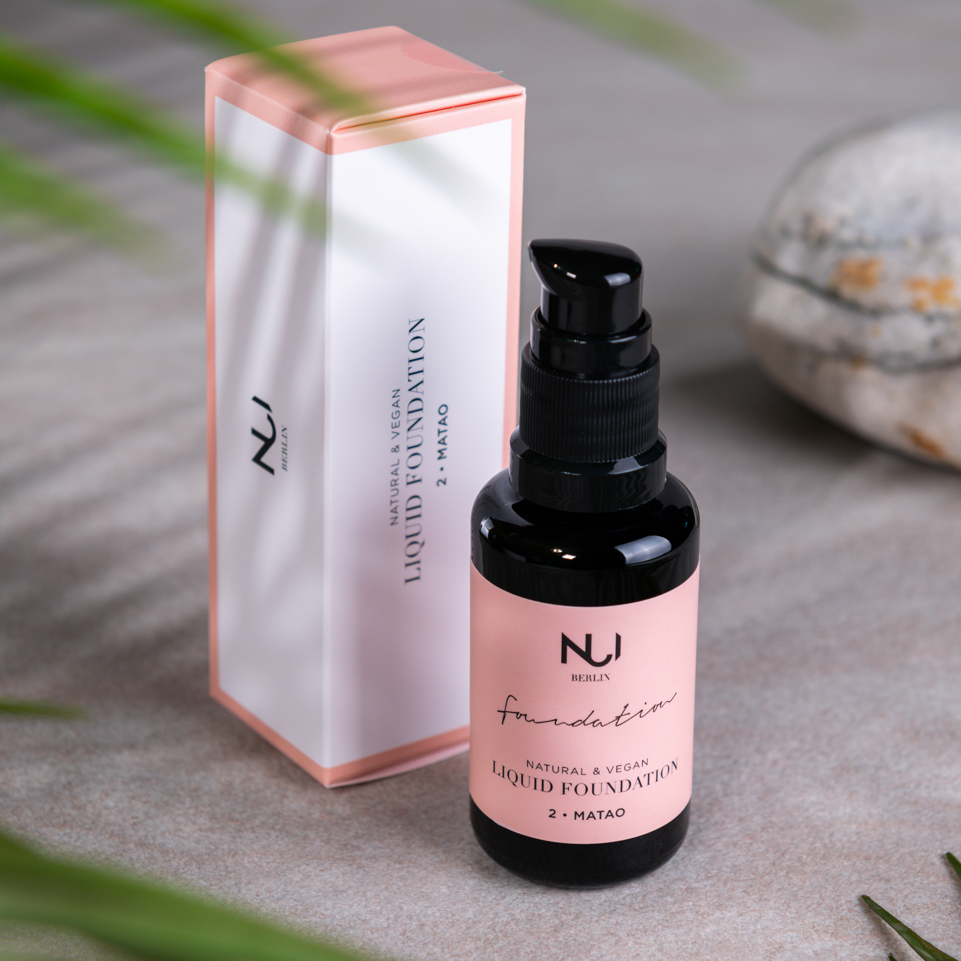 NUI Natural Liquid Foundation 02 MATAO